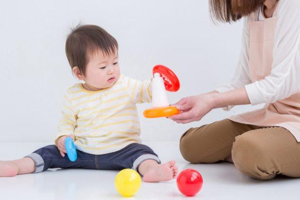 子どもと遊びながら家事もできちゃう方法って?