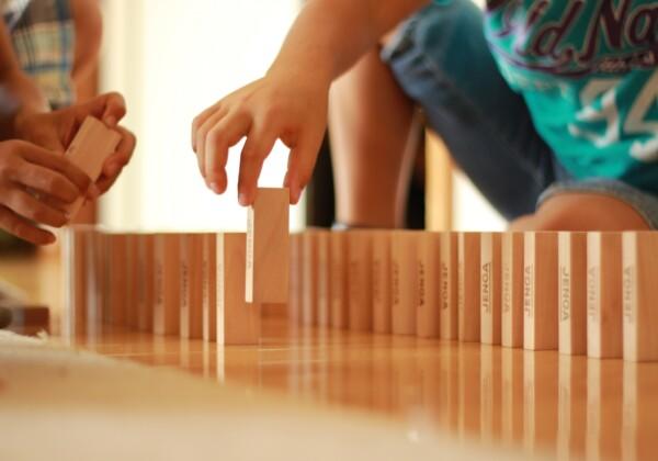 積み木やブロックで遊ぶと賢くなる?